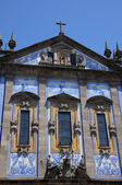 Facade of a classical church in Porto — Stock Photo