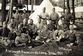 Old photograph of soldiers in 1931 in the Bitche camp — Stock Photo