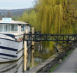 France, a barge on the Seine river in Triel sur Seine — Stock Photo