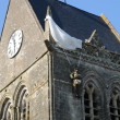 Church of Sainte mere Eglise in Normandie — Stok Fotoğraf #32689945