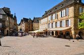 Frankrijk, schilderachtige stad van sarlat la caneda in dordogne — Stockfoto