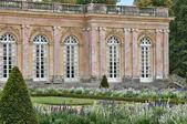 France, le Grand Trianon in Marie Antoinette estate — Stock Photo