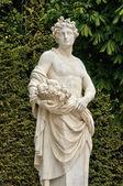 франция, статуя в парке версальского дворца — Стоковое фото
