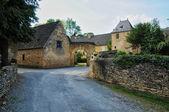 Francia, pintoresco pueblo de saint genies en dordogne — Foto de Stock