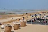 Francia, pittoresca spiaggia di cabourg in normandia — Foto Stock