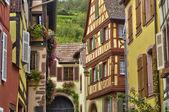 Francie, malé obci kaysersberg v alsasku — Stock fotografie