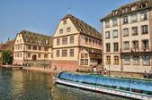 эльзас, старые и исторический район в страсбурге — Стоковое фото