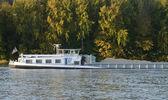 France, a barge on the Seine river in Les Mureaux — Foto de Stock