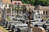 Fransa, monfort l amaury pitoresk kenti — Stok fotoğraf
