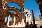 Grandi terme ruinas en villa adriana en roma - italia — Foto de Stock