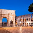 Night view of Arco di Costantino and colosseo at Rome — Stock Photo #21657065