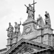 San Giovanni al Laterano basilica top entrance statues at Rome — Stock Photo
