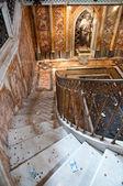 San giovanni al laterano basiliek interieur san giovanni standbeeld — Stockfoto