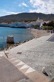 Street on seaside in Cadaques — 图库照片