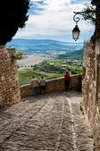 Via pietra e vista panoramica a gordes — Foto Stock