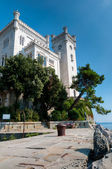 Miramare castle sight from pier — Foto de Stock