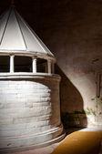 圆形神社里面大教堂迪阿奎莱亚 — 图库照片