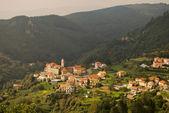 Aldea de la montaña de liguria — Foto de Stock