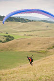 Paragliding fun outdoors in nature. — Stock Photo