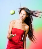 Elma levitating ile canlı sağlığa kız. — Stok fotoğraf