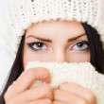 Shy winter fashion beauty. — Stock Photo