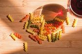 Barevné těstoviny. — Stock fotografie