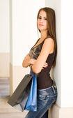 Gorgeous young shopper. — Stock Photo