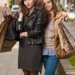 Girlfriends go shopping. — Stock Photo #45093971