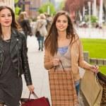 Girlfriends go shopping. — Stock Photo #45093989