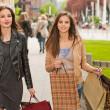 Girlfriends go shopping. — Stock Photo
