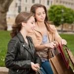 Girlfriends go shopping. — Stock Photo #45094127