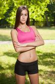 Mooie slanke jonge fitness meisje. — Stockfoto