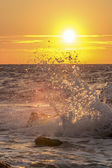волны на закате — Стоковое фото