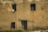 古代の家の窓 — ストック写真