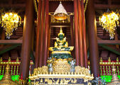 Buddha in temple — Stockfoto