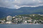 Panorama of Black Sea pier and port harbor in Yalta, Crimea, Ukraine — Stock Photo