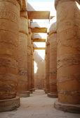 Grote hypostyle hall in de tempels van karnak (oude thebe). luxor, egypte — Stockfoto