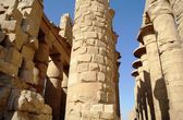 Ancient architecture of Karnak temple in Luxor, Egypt — Stock Photo
