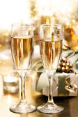 Shining Champagne Glasses (celebration) — Stock Photo