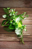 Fresh Mint Bunch on Rustic Table — Stock Photo