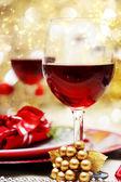 Dekorierte weihnachten-tisch — Stockfoto