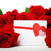 Hearts greeting card with beautiful red roses — Foto de Stock