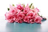 Krásné růžové růže — Stock fotografie