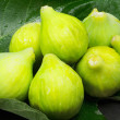 Figs over fig leaf — Stock Photo