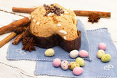 Dove with easter chocolates-colomba pasquale — Foto de Stock