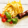 Tagliatelle with basil and tomato — ストック写真