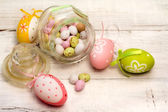 Easter eggs and decorations — 图库照片