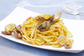 Bavette with clams — Stock Photo
