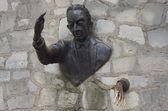 """Sculpture """"Le Passe-Muraille Paris, sculpure """"Le Passe-Muraille"""", Montmartre — Stock Photo"""