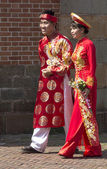 HO CHI MINH CITY,VIETNAM-NOV 5TH: A newly married couple in trad — Stock Photo